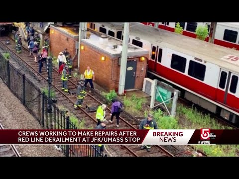 Red Line train derailment snarls commute