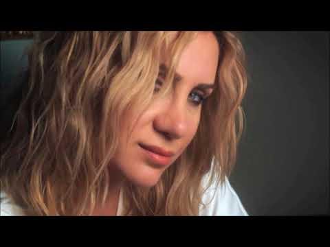Ayla Çelik - Aşk Tutar Beni (Yasak Elma Müziği Full Versiyon)
