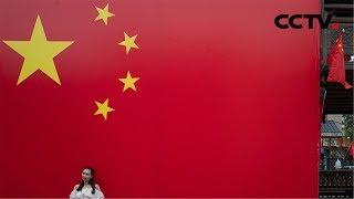 """[精彩活动迎国庆] 福建三明 千人""""快闪""""歌唱伟大祖国   CCTV"""