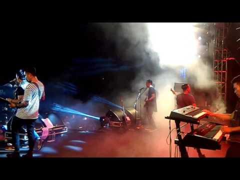 Hijau Daun - Sampai kau bicara (suasana live apache rock n dut belakang layar)