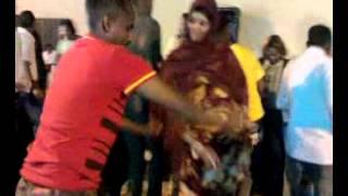 Repeat youtube video Gabr soomali oo ciyaarta ugu haboon qaaday