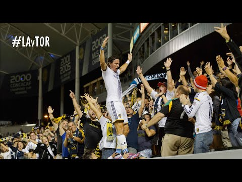 GOAL: Alan Gordon finishes off Toronto with a patented last-minute goal