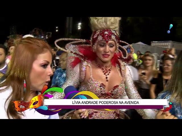 """Lívia Andrade: """"Silvio Santos ia achar engraçado se me visse agora"""""""