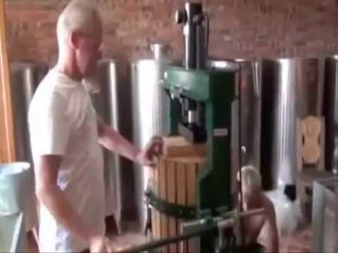 Пресс для винограда - YouTube