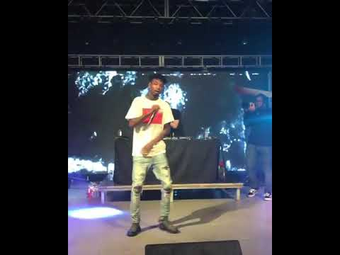 21 Savage performing