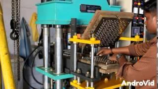 Automatic rubber molding machine