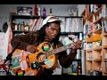Capture de la vidéo Brushy One String: Npr Music Tiny Desk Concert
