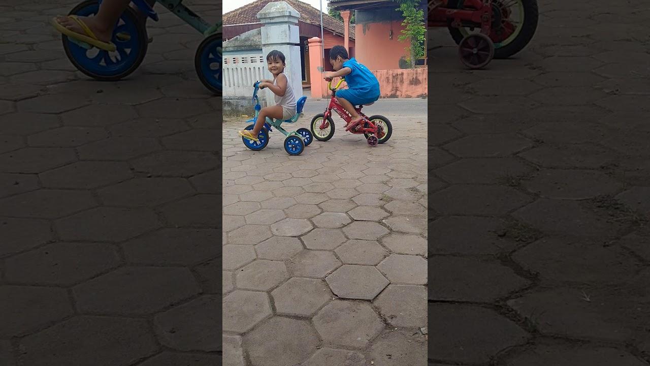 anak2 bermain - YouTube