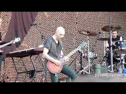 A Perfect Circle - Passive [HD] LIVE Lollapalooza 2011.mp4