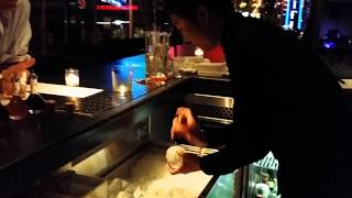Amazing ice ball for a drink!