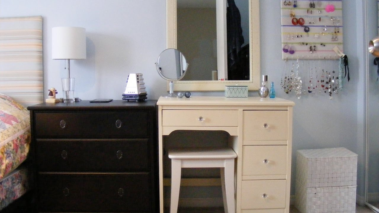 White Dressing Table With Drawers And Stool