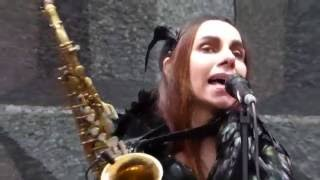 PJ Harvey - The Ministry Of Defence - Field Day 2016 - London
