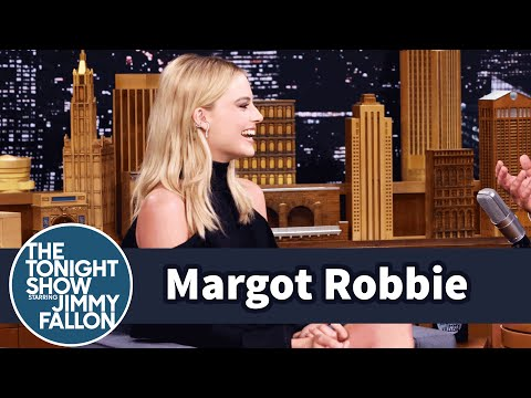 Thumbnail: Margot Robbie Tattoos Friends Like Cara Delevingne for Fun