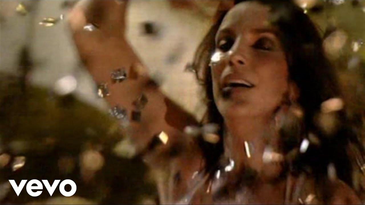 CONTINUA EL ANTICICLÓN CHICLE PEGADO A NOSOTROS. Día de sol radiante y temperaturas escandalosamente cálidas a partir del mediodía. Gran contraste con las temperaturas mínimas que están alrededor de los 7ºC.  Y asi seguiremos los próximos días. De todas formas os recomendamos que no guardéis aún la ropa de invierno porque marzo puede darnos sorpresas según los últimos mapas que hemos consultado. Vamos a vivir el Carnaval en directo con miles y miles de personas, con la gran Ivete Sangalo, una cantante, actriz y compositora de canciones brasileña. Nació en el interior de Bahía, en una familia de músicos. Empezó a cantar cuando aún era una niña y, estando en la escuela, aprovechaba los recreos para tocar la guitarra. ¡Pues vaya como ha evolucionado ...!