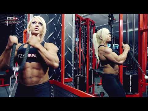 FEMALE BODYBUILDER   IFBB PRO LISA CROSS   TRAINING AT NAPA GYM