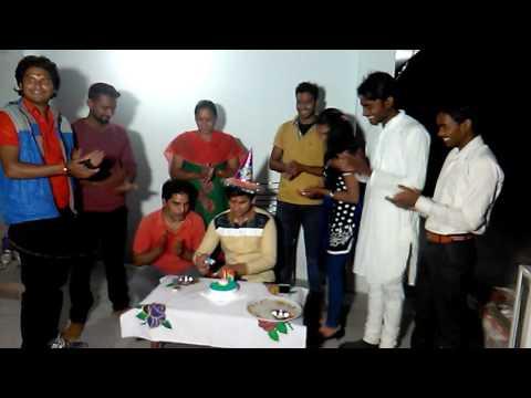 जय गणेश एंटरटेनमेंट टीम के साथ जन्मदिन मनाया ,भोजपुरी एक्टर रोशन अग्रहरि ने
