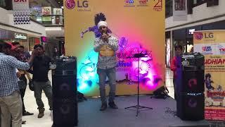 Kya mujhe pyar hai live on karaoke.