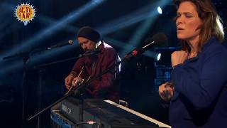 Beth Hart - Tell Her You Belong To Me (Live Acoustic) *2*