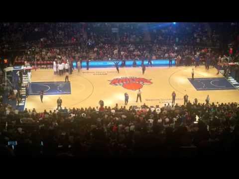 New York Knicks... Madison Square Garden...