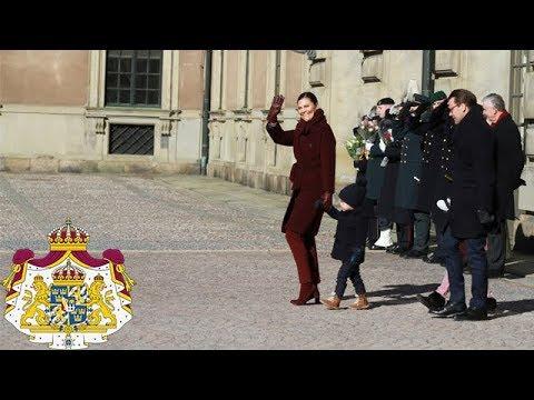 Kronprinsessan uppvaktas på namnsdagen