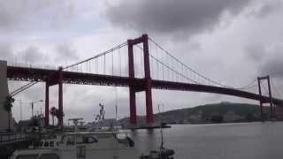 北九州市戸畑区と若松区を跨ぐ若戸大橋は、「宇宙大怪獣ドゴラ」「ウイ...