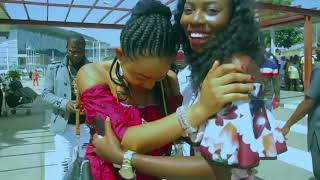 COMEDIANS SAM AND  SONG PROPOSE TO GIRLFRIENDS @ ABUJA AIRPORT