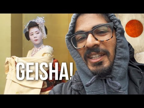 GEISHA HUNT! - Looking for Geishas in Kyoto's Gion District
