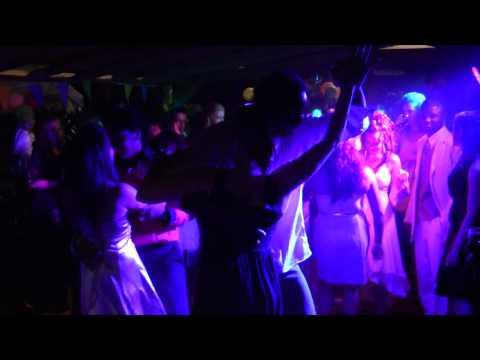 Angelo Valks en Anne de Loos dansen merengue