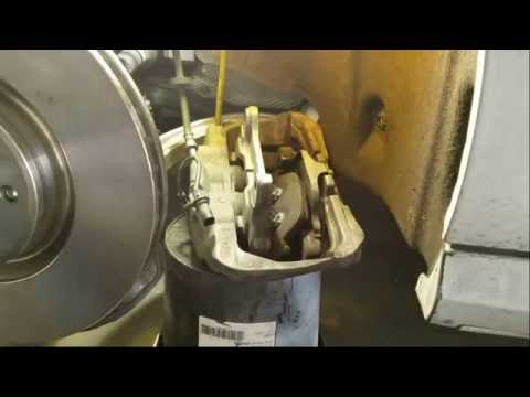 How to replace front brake pads and rotors on 2012-2015 Audi A6 3.0T (C7 4G) - DIY