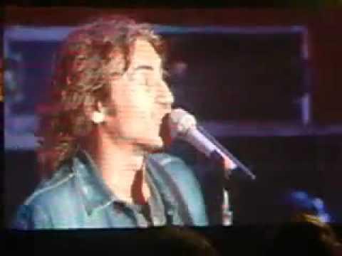 Luciano Ligabue bellissima esibizione ai Wind Music Awards 2011
