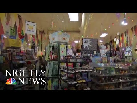 Independent Toy Sellers Competing With Amazon This Holiday Season For Toys 'R' US | NBC Nightly News