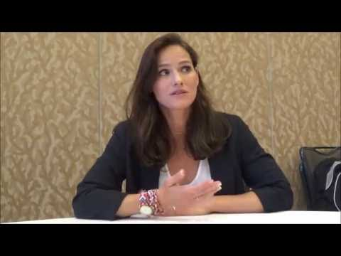 Van Helsing Q&A with star Kelly Overton (SDCC 2016)