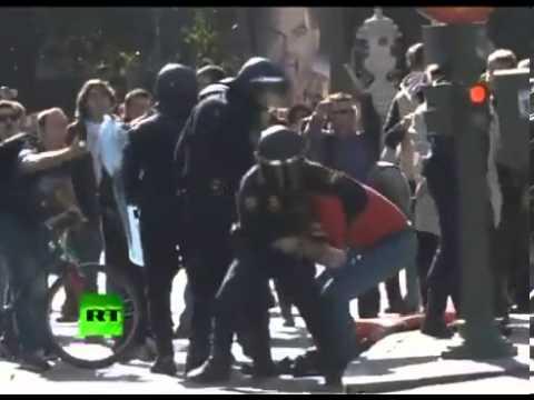 breaking news MASSIVE RIOTS HIT MADRID, SPAIN; banks, KFC, McDonalds set ablaze
