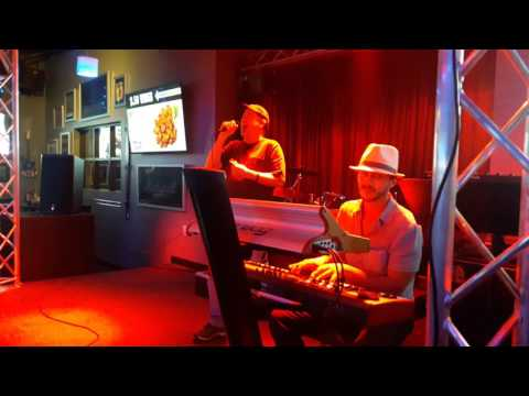 Piano Man - Hybrid Karaoke