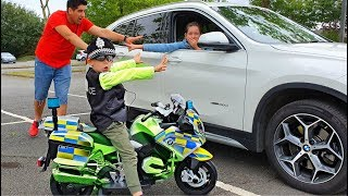 Police Motorcycle Ride on * Power Wheels * Pretend Play *Chasing Naty /SKIT