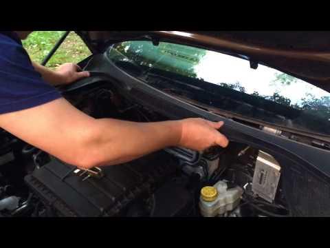 """Снятие """"жабо"""" и замена фильтра вентилятора на VW Polo Sedan"""