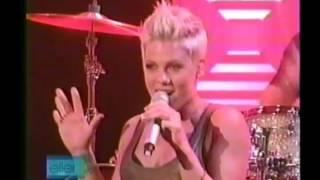 P!nk - U+Ur Hand Live on The Ellen DeGeneres Show 2007