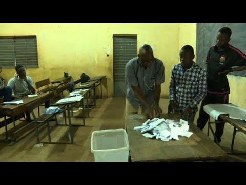 Mali: fermeture des bureaux de vote début du dépouillement youtube