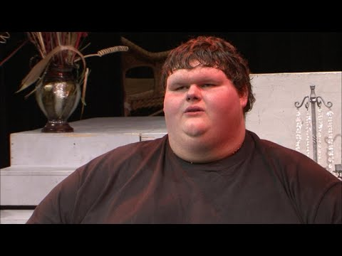 Meet the 685 Pound Teen with the Voice of an Angel