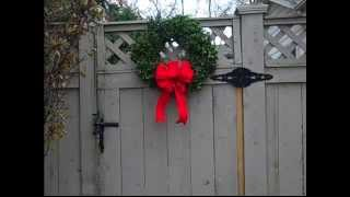 How To Hang A Wreath On A Fence Gate