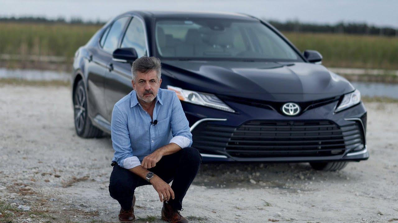 ¿El más popular del mundo?   2021 Toyota Camry XLE V6