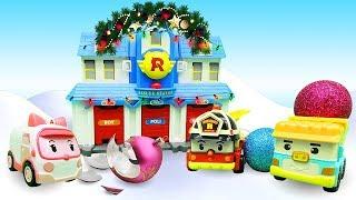 Эмбер украшает Брумс на Новый год. Видео с игрушками.