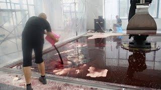 汚れ仕事はロボットに。未来に登場するであろう血しぶき清掃ロボット