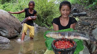 Catch and Cook a big fish with Peppers sauce for Survival in The jungle