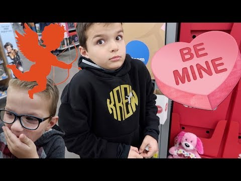 💖 WHICH KID IS BUYING A SPECIAL VALENTINE FOR HIS SECRET CRUSH? 💝
