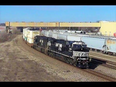 BNSF Chillicothe Sub Trains 3/3/19 (ATSF Warbonnet, Microsoft Train Sim Unit)