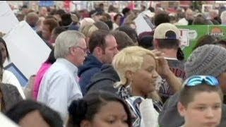 Black Friday benefits from online shopping and Thanksgiving Day sales