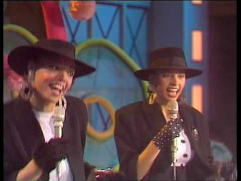 Mel & Kim - Showing Out (Get Fresh At the Weekend) (TopPop)