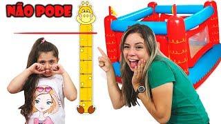 HELOÍSA QUER SER ALTA E PULAR NO PULA PULA (kids wants to be taller & jump on a trampoline)