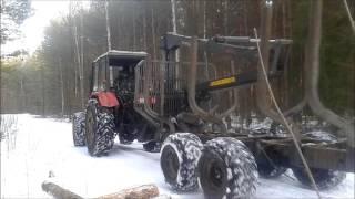 Belarus 820+przyczepa palms rozładunek drewna zimowa praca w lesie
